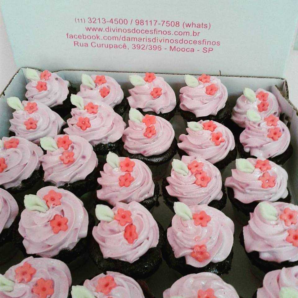 Cupcake Pequeno de flores R$ 10,00