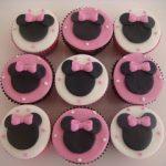 Cupcake tema Minnie rosa R$ 7,00