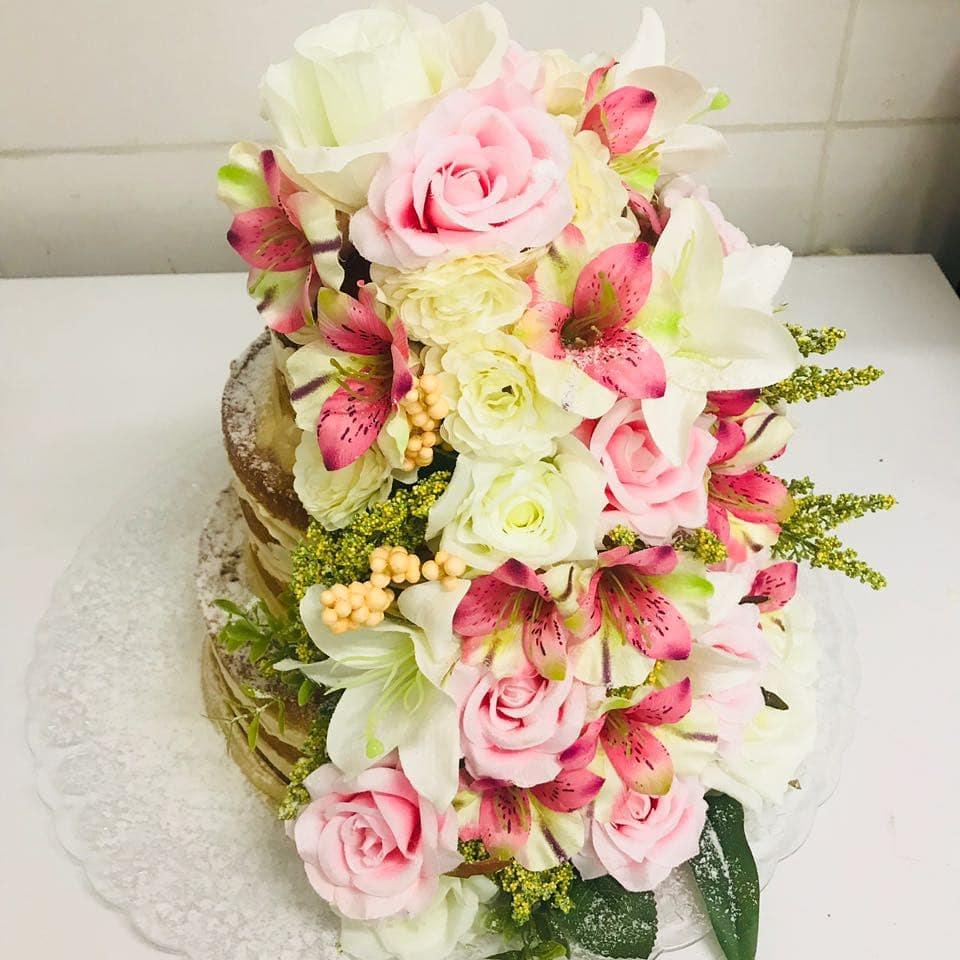 Naked Cake com flores – R$ 69,90/kg