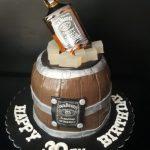Bolo pasta americana – Tema Whisky R$ 120,00kg