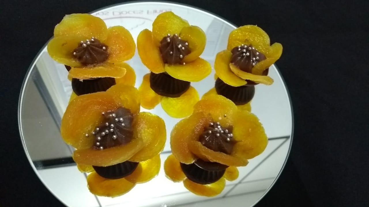 Caixinha flor de damasco dupla R$ 2,70