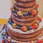 Naked Cake Chocolate com Frutas Vermelhas R$79,90kg